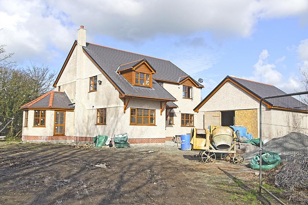 4 Bedrooms Detached House for sale in Hafan Dawel, Gwalchmai, North Wales