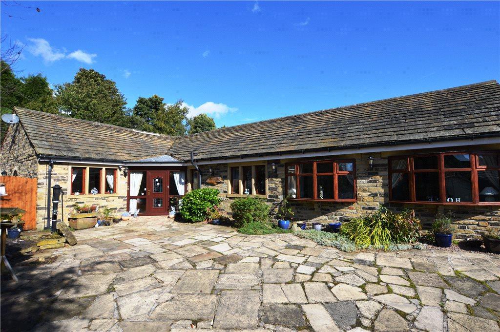 5 Bedrooms Detached Bungalow for sale in Birkby Brow Crescent, Birstall, Batley, West Yorkshire
