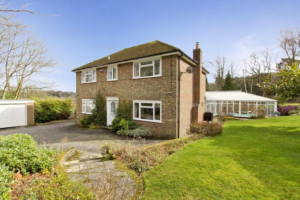 5 Bedrooms Detached House for sale in School Lane, Crowborough