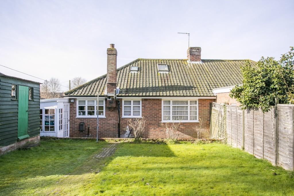 2 Bedrooms Semi Detached Bungalow for sale in Hildenborough