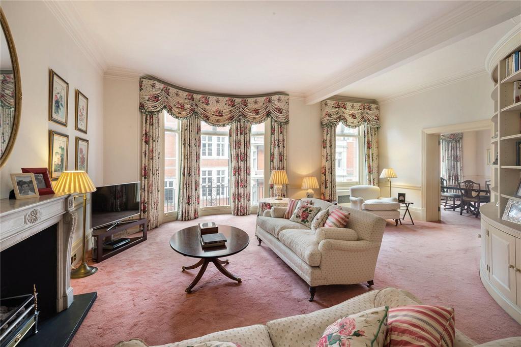 3 Bedrooms Flat for sale in Mount Street, London