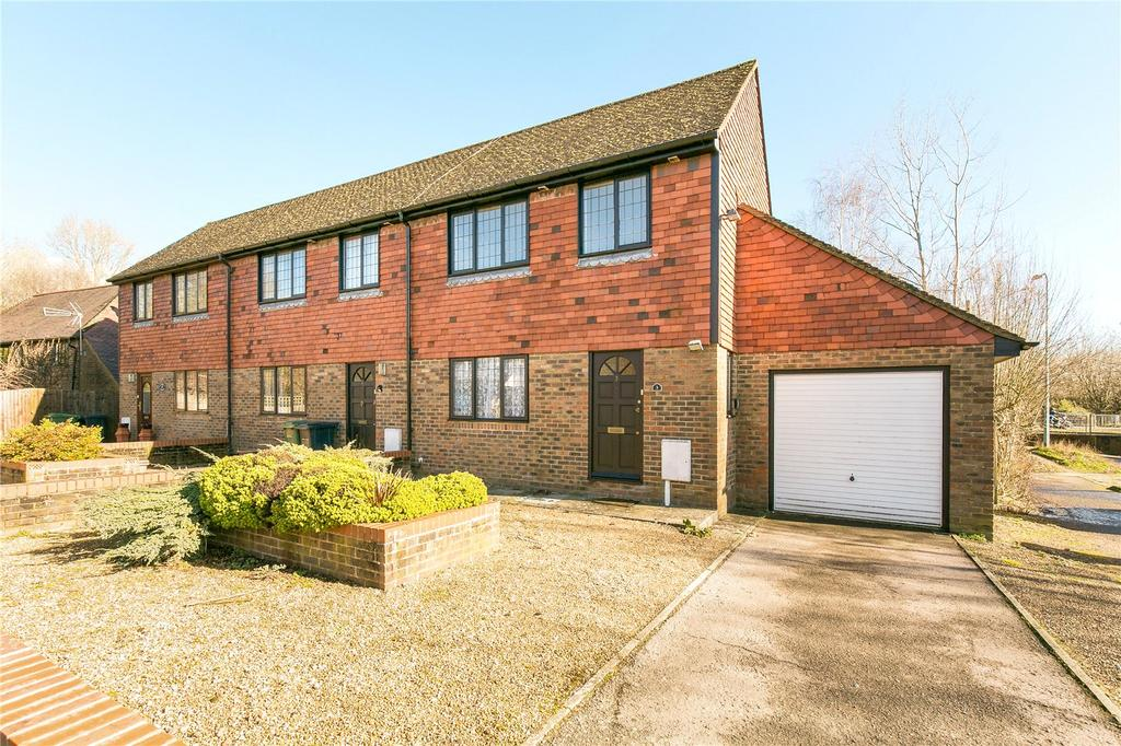 3 Bedrooms End Of Terrace House for sale in Silverdale Cottages, Northbridge Street, Robertsbridge, East Sussex, TN32