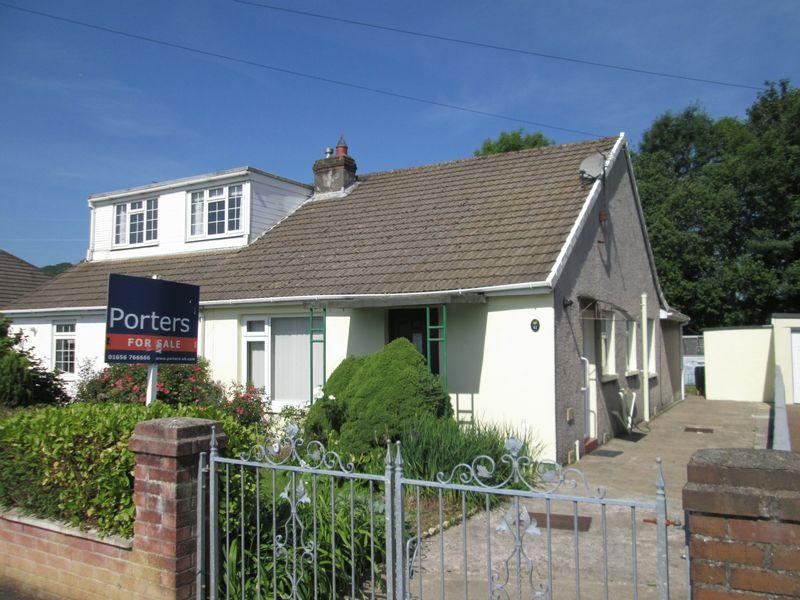 2 Bedrooms Semi Detached Bungalow for sale in Hafod Las Pencoed Bridgend CF35 5NB