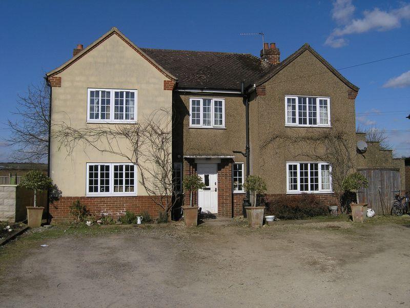 5 Bedrooms Detached House for sale in Beanacre, Melksham