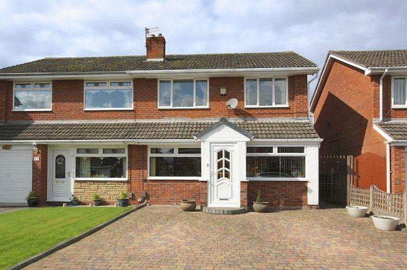 3 Bedrooms Semi Detached House for sale in Kilsby Drive, Widnes