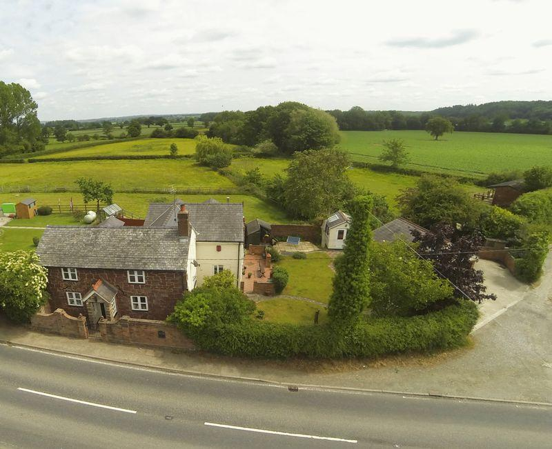 4 Bedrooms Detached House for sale in Eyton, Wrexham