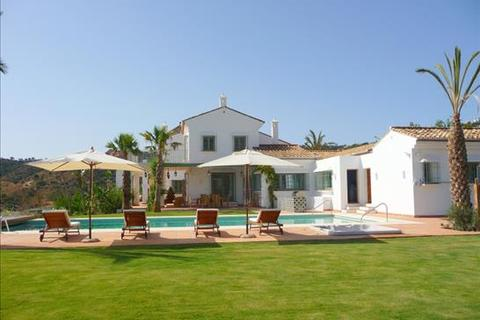 8 bedroom villa  - La Mairena, Marbella, Malaga