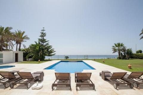 6 bedroom villa  - Estepona, Malaga