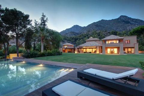 6 bedroom villa  - Cascada de Camojan, Marbella, Malaga