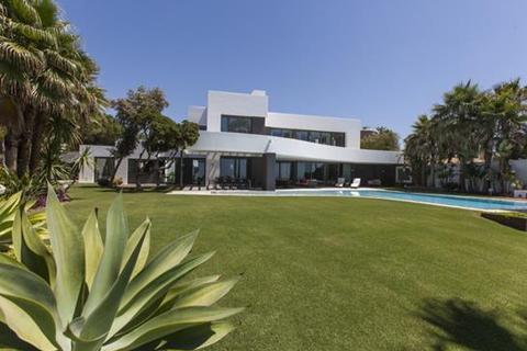 6 bedroom villa  - Los Monteros, Marbella, Malaga