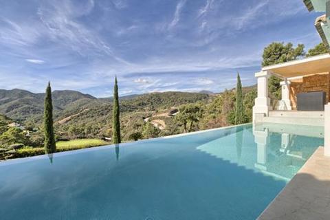 4 bedroom villa  - La Zagaleta, Benahavis, Malaga