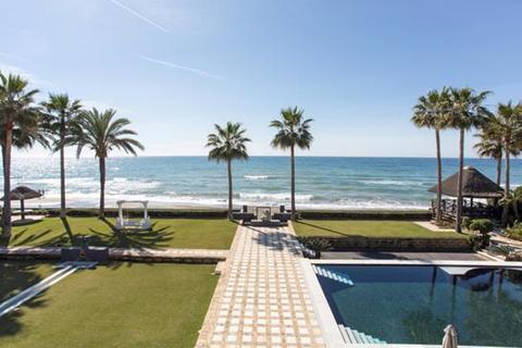 7 bedroom villa - Los Monteros, Marbella, Malaga