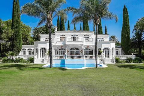 8 bedroom villa - Paraiso Alto, Benahavis, Malaga