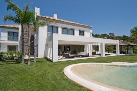 5 bedroom villa  - Benahavis, Malaga