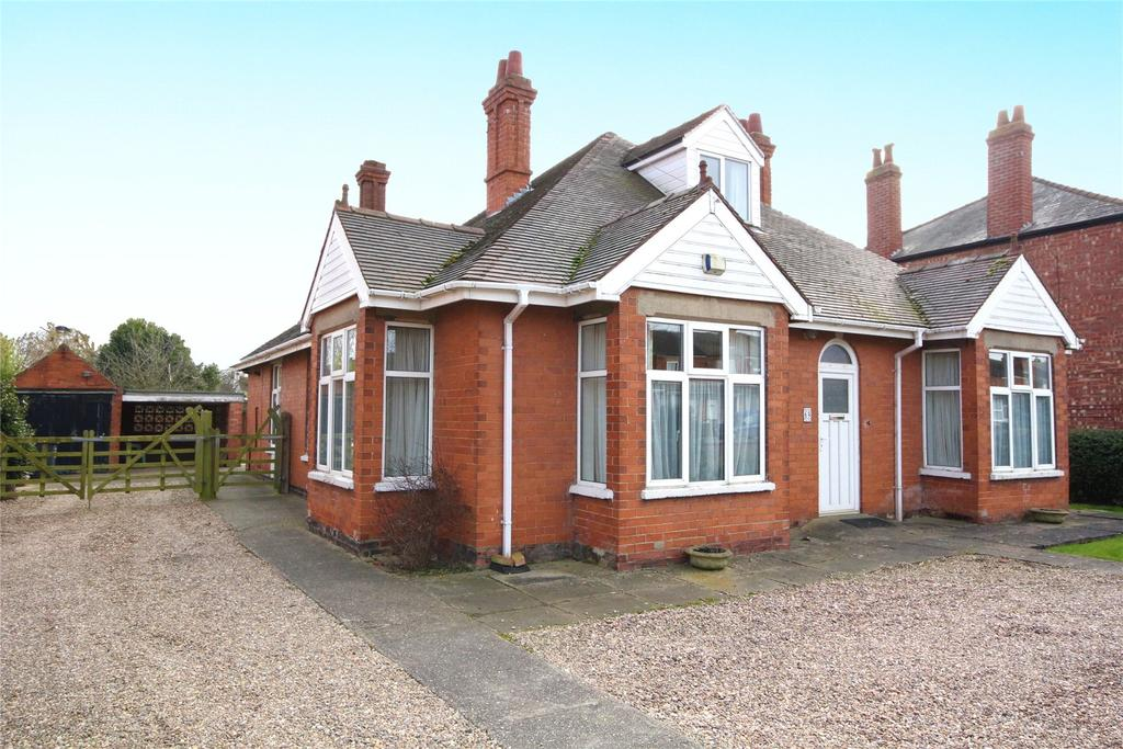 4 Bedrooms Detached Bungalow for sale in Grantham Road, Sleaford, NG34