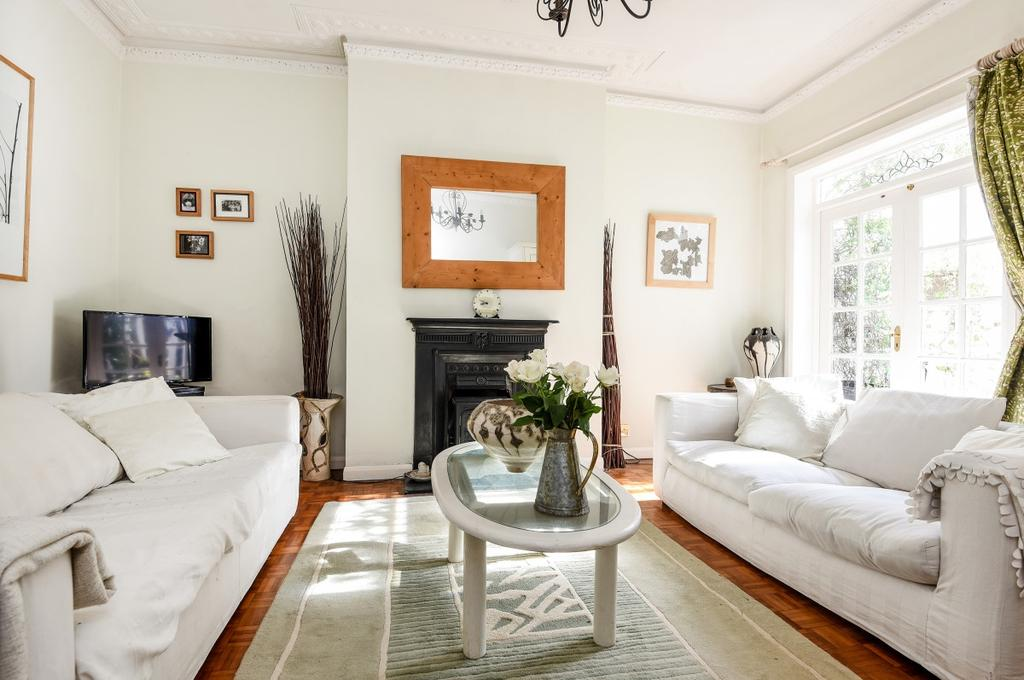 2 Bedrooms Flat for sale in St. Johns Park Blackheath SE3