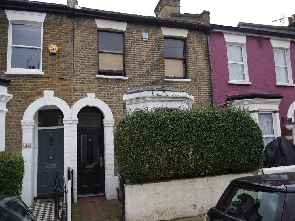 3 Bedrooms Terraced House for sale in Ruskin Village