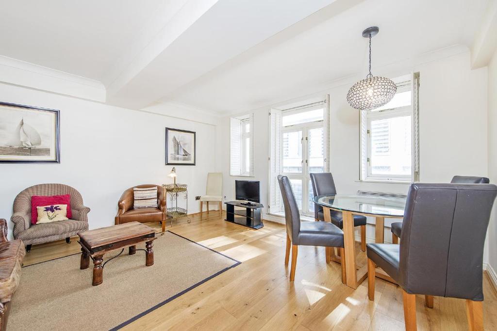 1 Bedroom Flat for sale in East Harding Street, London, EC4A