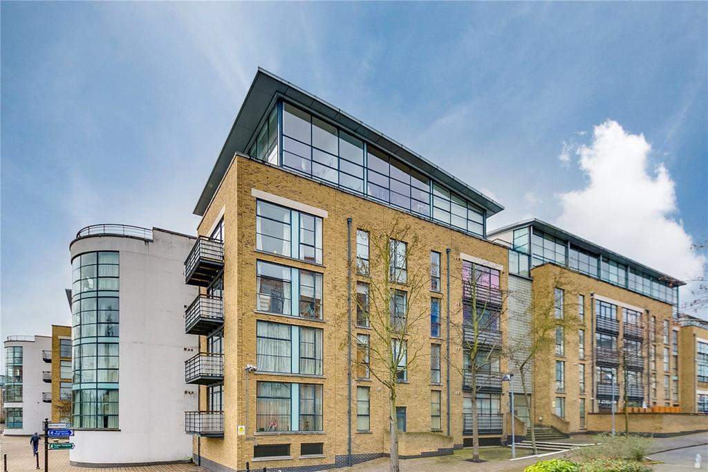 2 Bedrooms Flat for sale in Goat Wharf, Brentford, Middlesex