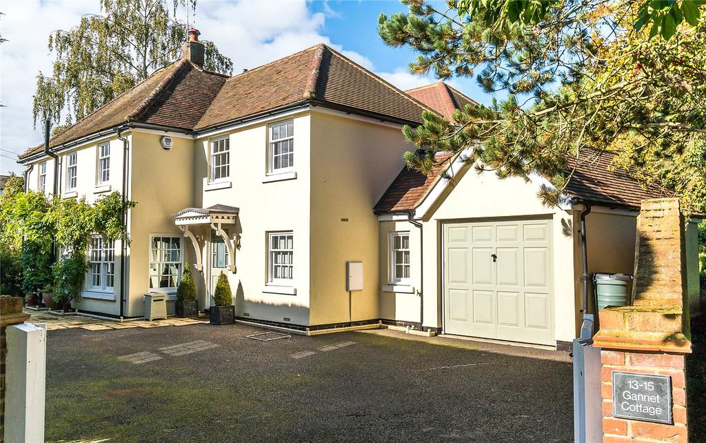5 Bedrooms Detached House for sale in Gannet Cottage, 13-15 Chapmore End, Ware, Hertfordshire