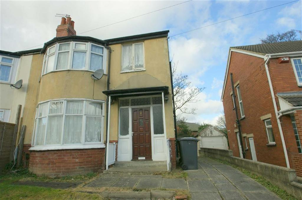 3 Bedrooms Semi Detached House for sale in Newton Park View, LS7