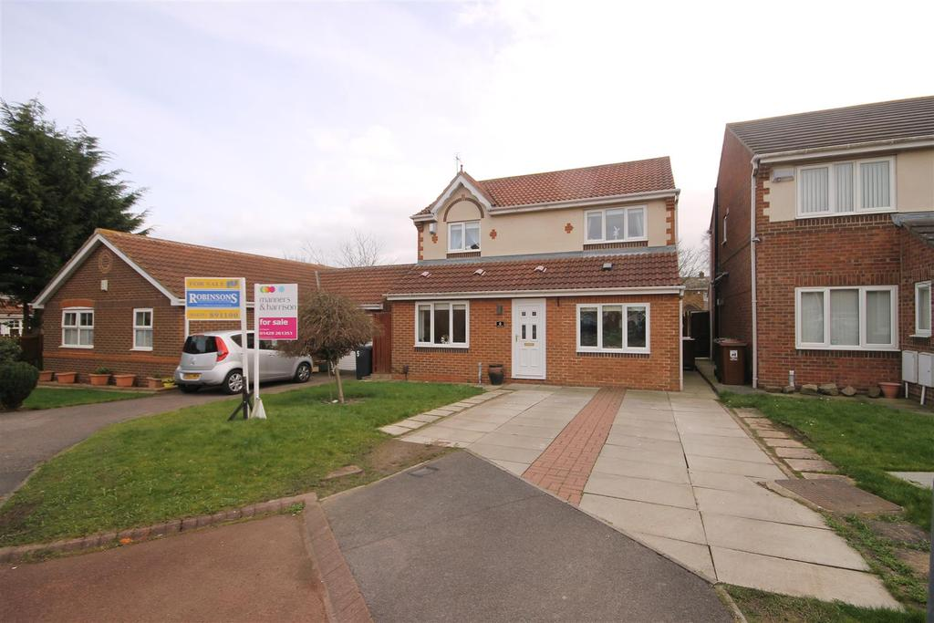 3 Bedrooms Detached House for sale in Redstart Close, Hartlepool