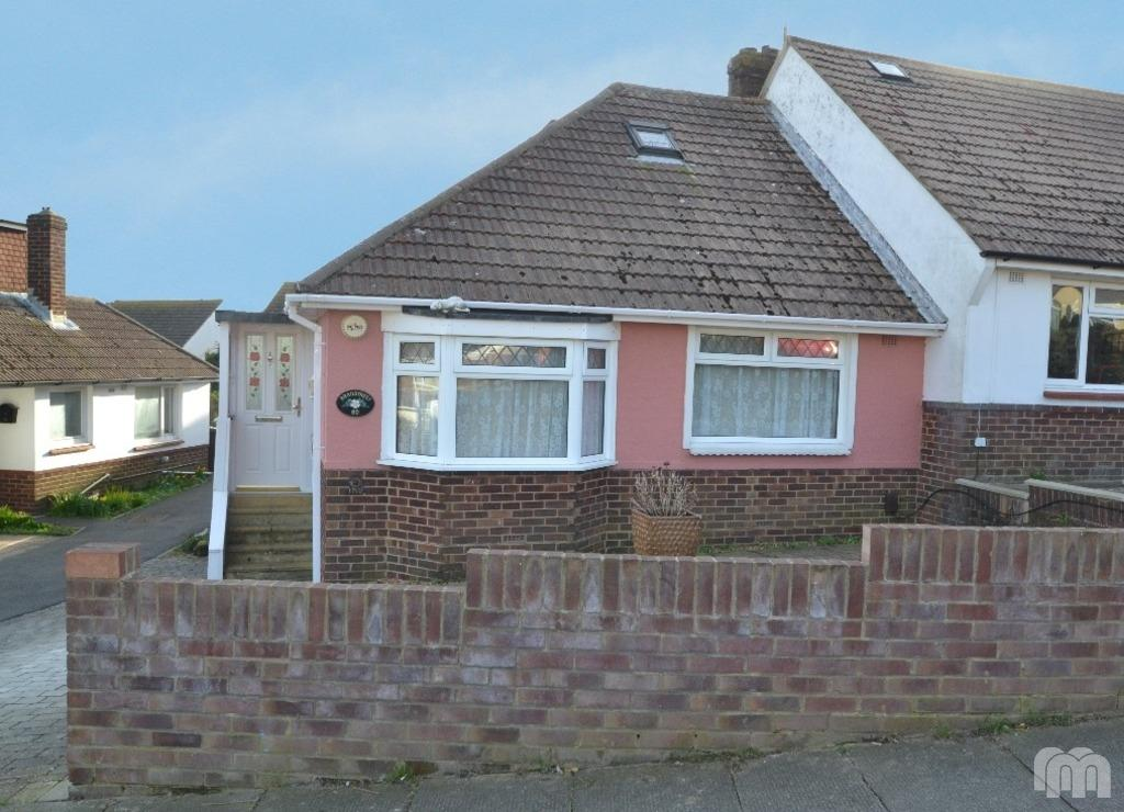 3 Bedrooms Bungalow for rent in Graham Avenue Portslade East Sussex BN41