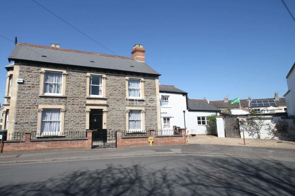 3 Bedrooms End Of Terrace House for sale in Belvedere Road, Taunton