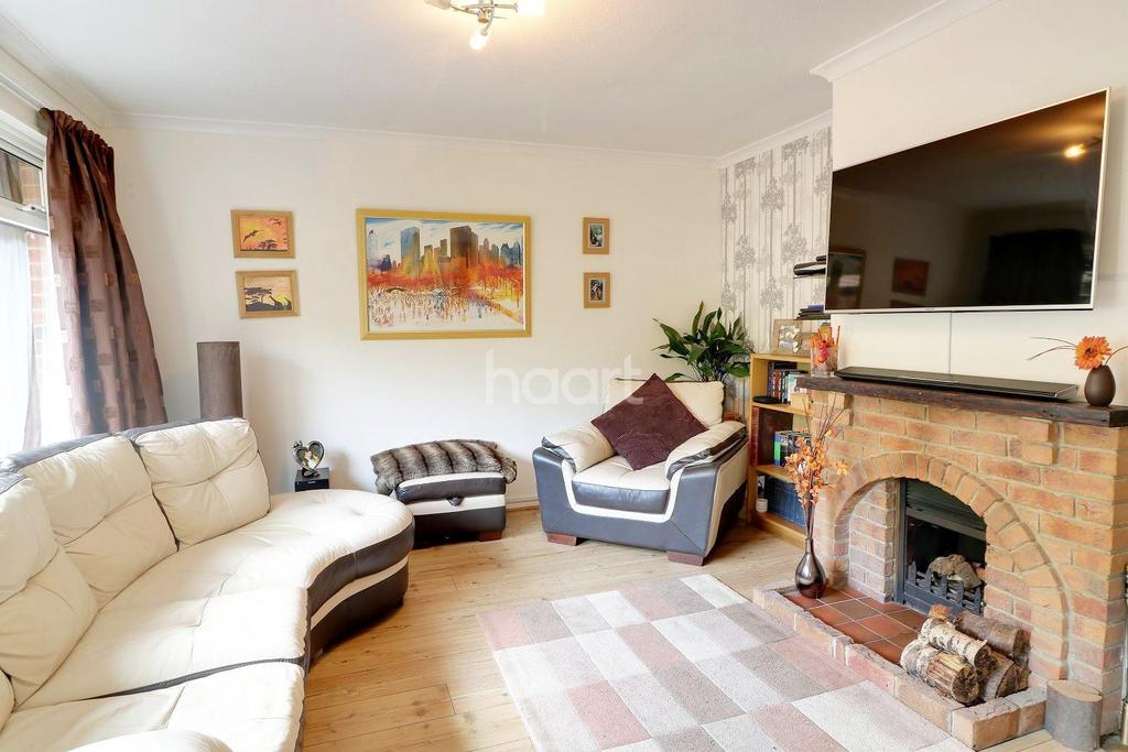 3 Bedrooms Bungalow for sale in Beech Hill Road, Arford , Headley.