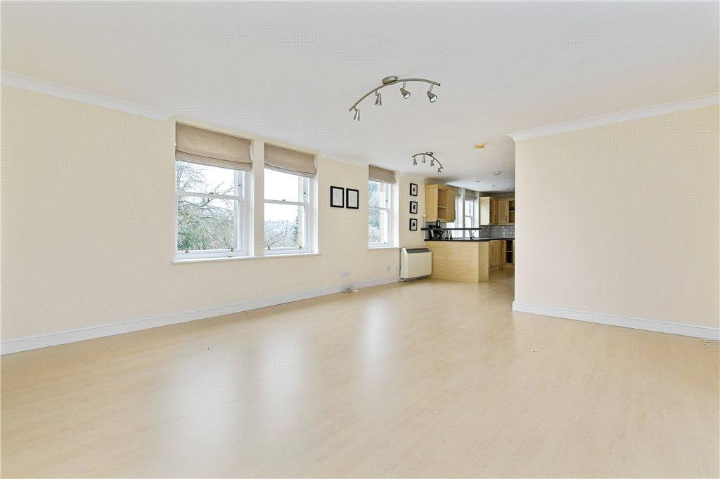 2 Bedrooms Apartment Flat for sale in Park Place, 126-130 Valley Drive, Harrogate, North Yorkshire