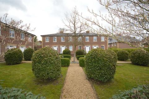 2 bedroom terraced house to rent - Winchester, Hampshire