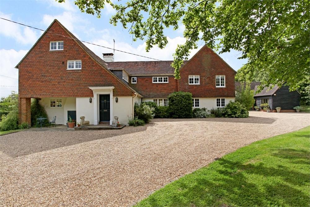5 Bedrooms Detached House for sale in Farnham, Hampshire