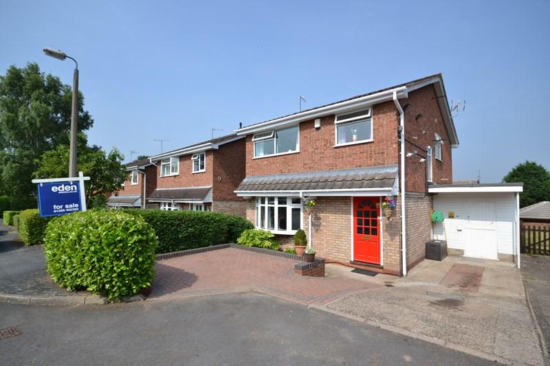 4 Bedrooms Link Detached House for sale in Selsdon Close, Kidderminster