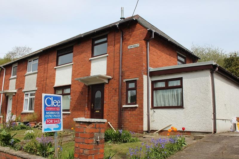 3 Bedrooms Semi Detached House for sale in Tan Yr Allt, Clydach, Swansea.