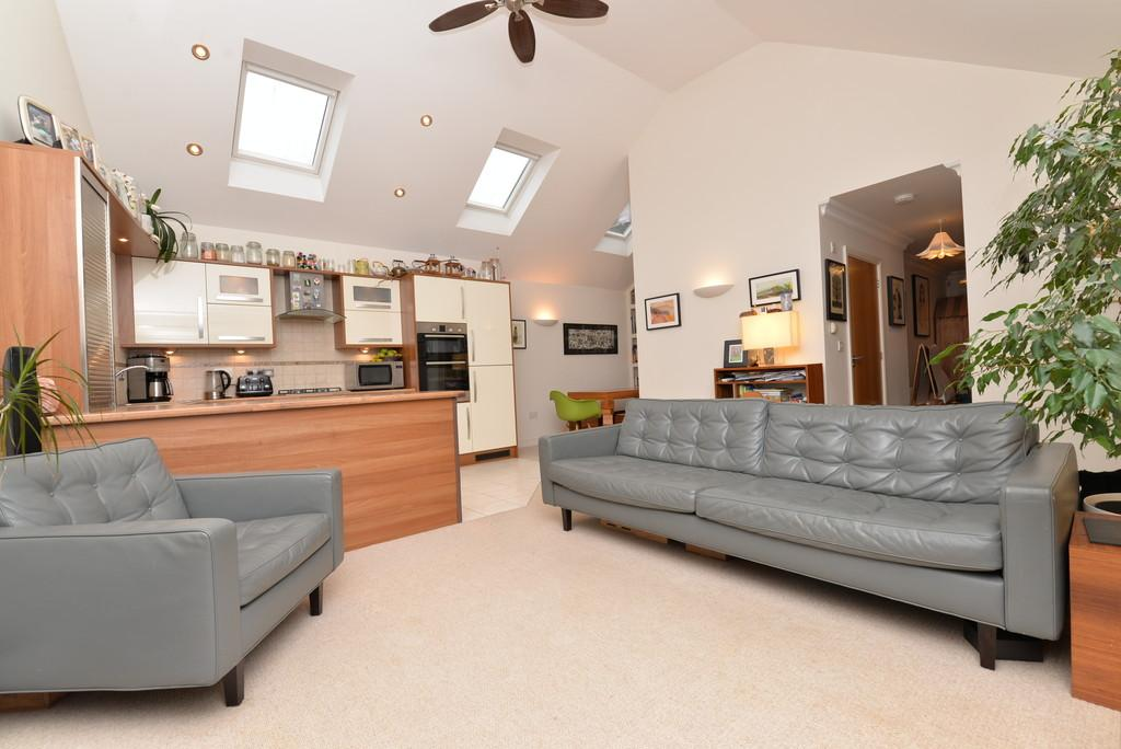 3 Bedrooms Semi Detached Bungalow for sale in Ashley Road, New Milton
