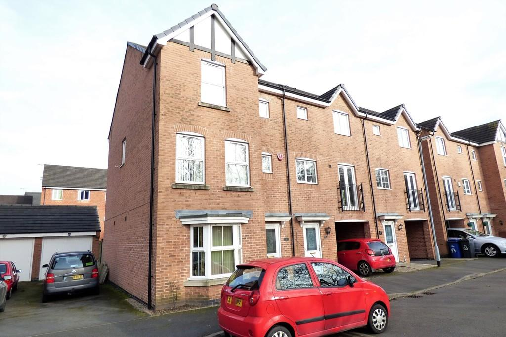 5 Bedrooms Town House for sale in Clough Drive, Burton-on-Trent