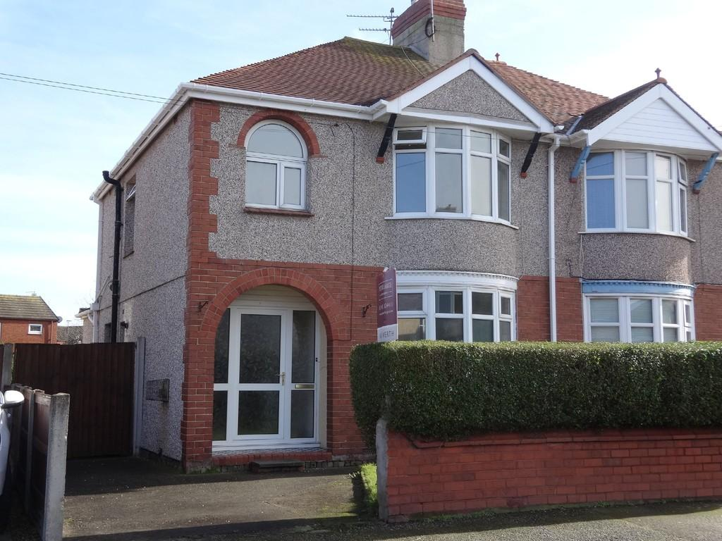 3 Bedrooms Semi Detached House for sale in Clifton Park Road, Rhyl