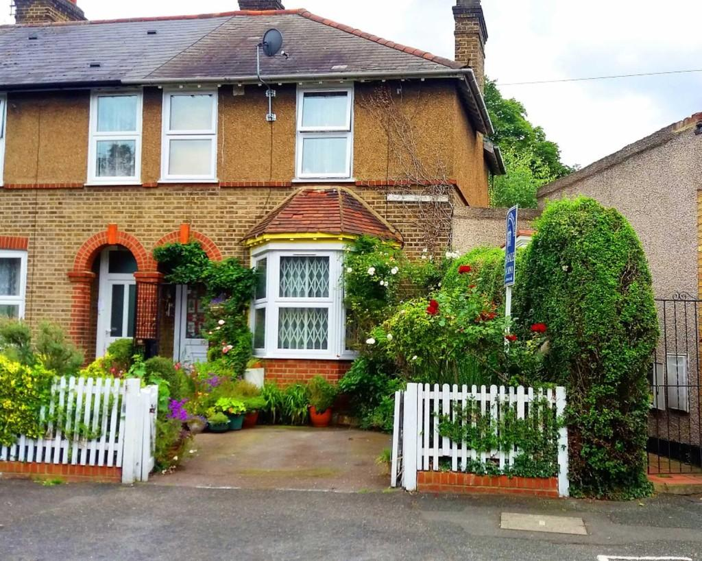3 Bedrooms End Of Terrace House for sale in Thorpe Crescent, Walthamstow