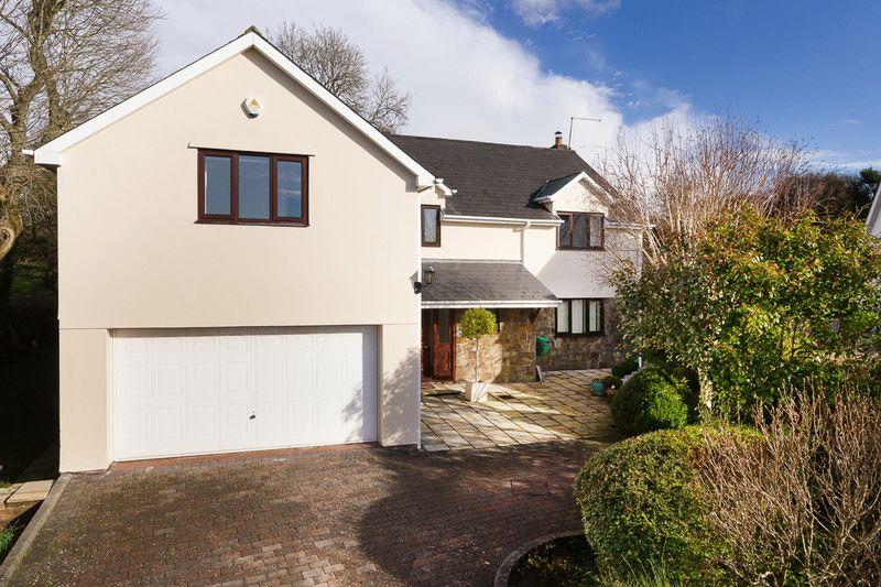 5 Bedrooms Detached House for sale in 10 The Paddock, Cowbridge, Vale of Glamorgan, CF71 7EJ