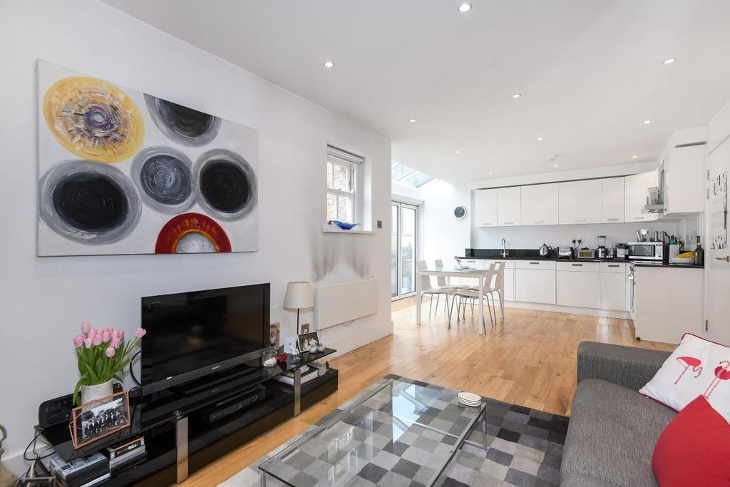 1 Bedroom Flat for sale in Chiswick High Road, Chiswick