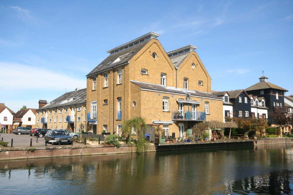 2 Bedrooms Apartment Flat for sale in Omega Maltings, Star Street, Ware