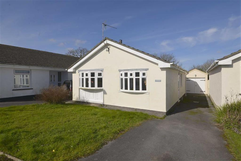 2 Bedrooms Bungalow for sale in 5, Meadow Road, Tenby, Pembrokeshire, SA70