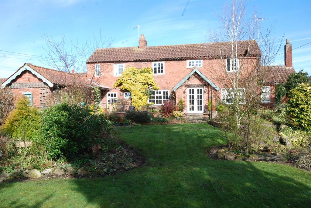 3 Bedrooms House for sale in High Street, Girton, Newark
