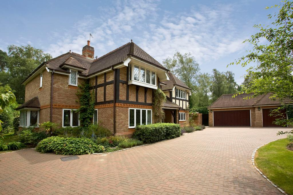 5 Bedrooms Detached House for sale in Badgers Hill, Wentworth, Virginia Water