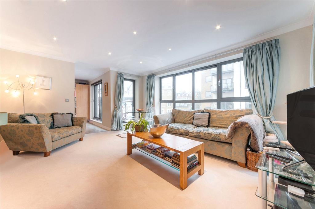 2 Bedrooms Flat for sale in Canal Boulevard, London