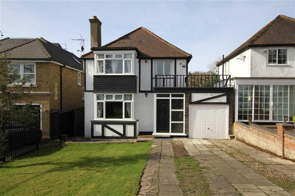 4 Bedrooms Detached House for sale in Barnet Gate Lane, Barnet, Herts, EN5