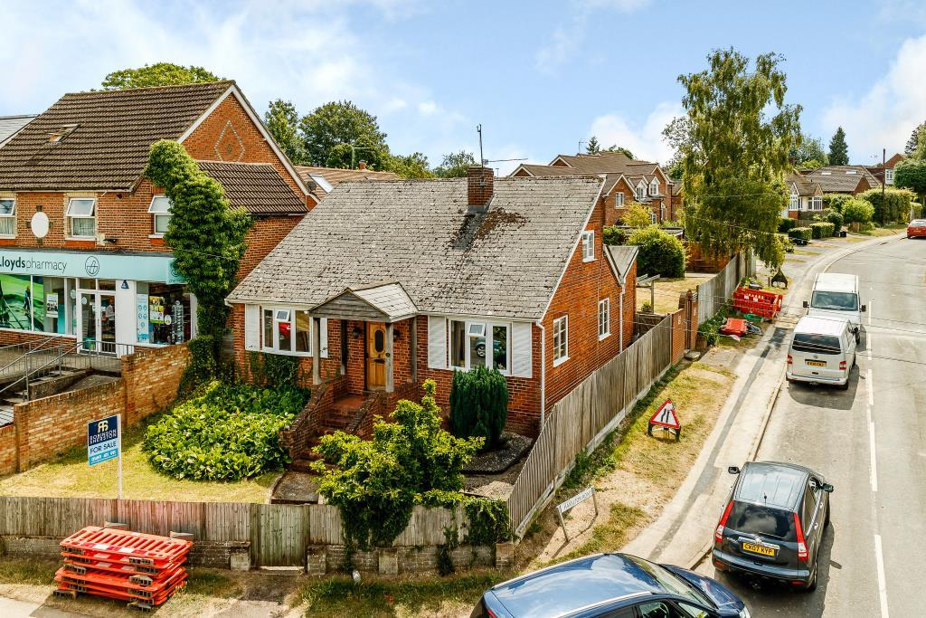 4 Bedrooms Detached House for sale in Victoria Road, Wargrave, Reading