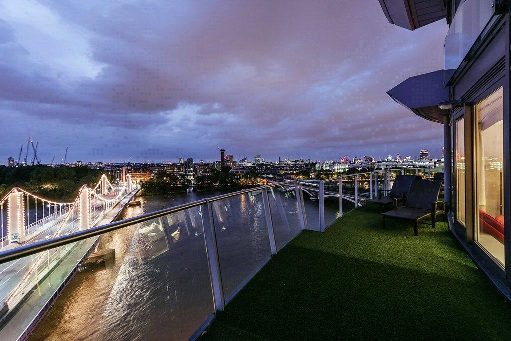 3 Bedrooms Penthouse Flat for sale in Centurion Building, Chelsea Bridge Wharf, 376 Queenstown Road, London, SW11