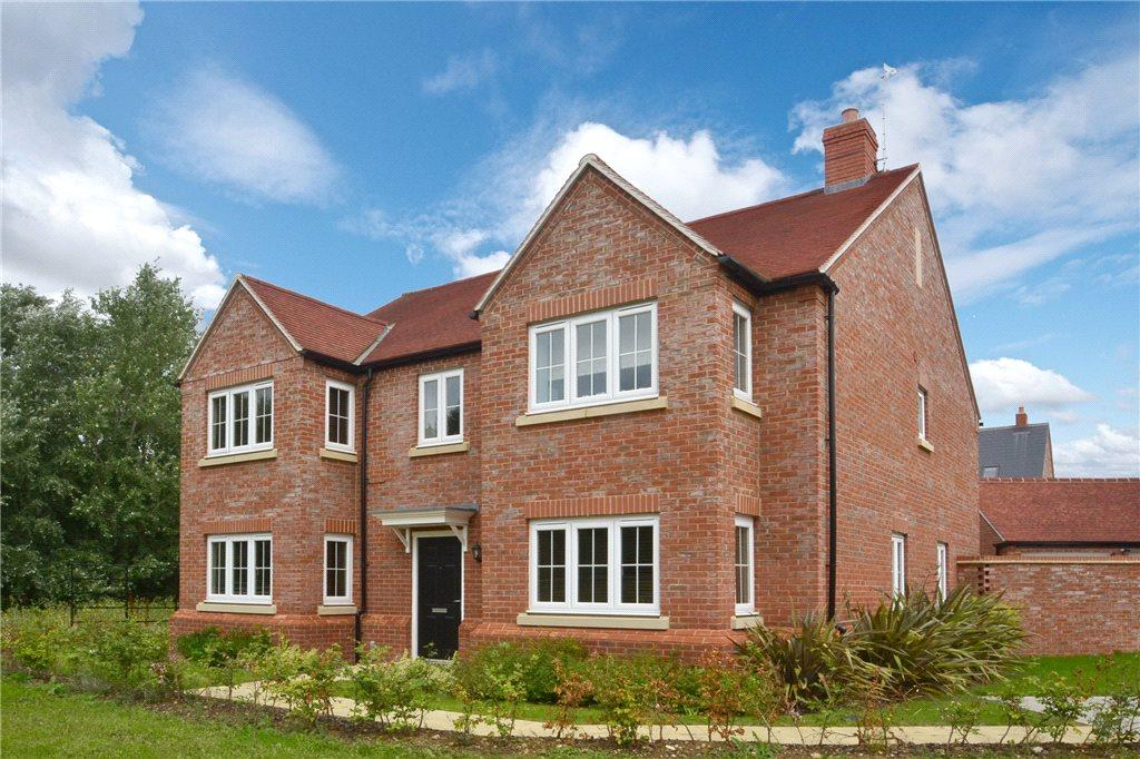 5 Bedrooms Detached House for sale in Pillow Way, Buckingham, Buckinghamshire