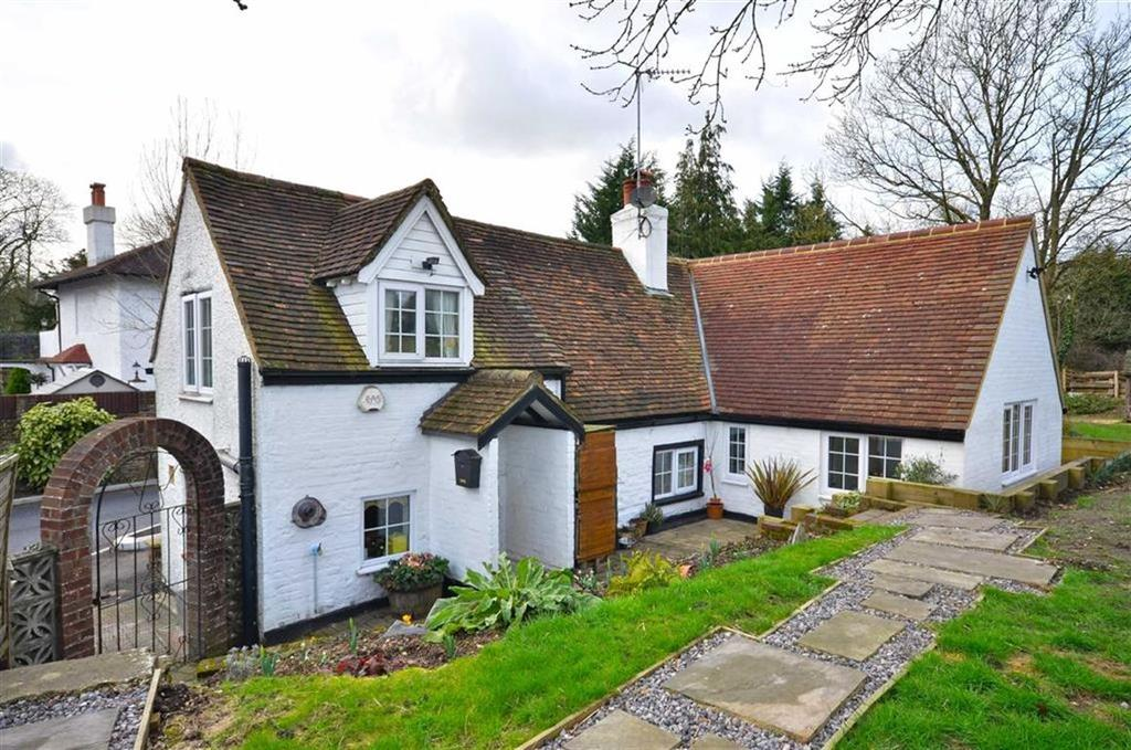 3 Bedrooms Detached House for sale in Old Mill Road, Kings Langley, Hertfordshire